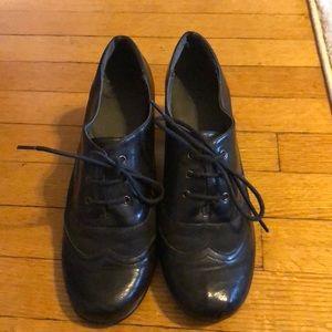 Black short-heeled shoes